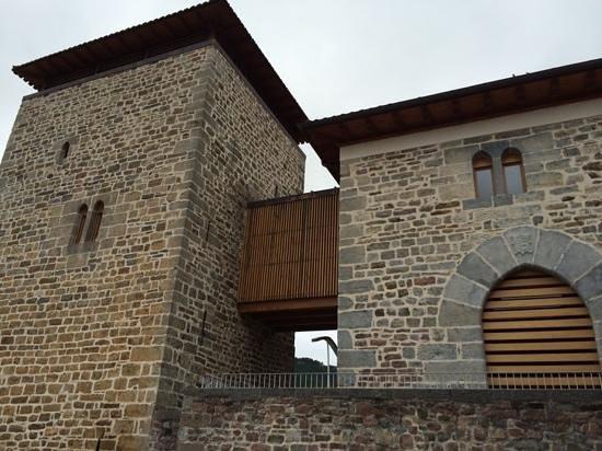 Gestión y explotacion del Hotel Torre de Uriz – URIZ (Valle de Arce)