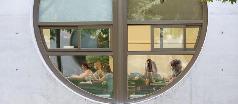 El alumnado de la UPNA considera el emprendimiento como una opción atractiva a los cinco años de terminar sus estudios