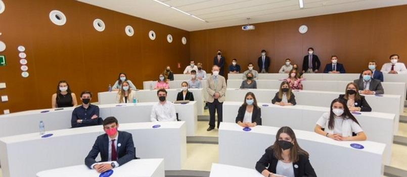 La Universidad de Navarra y CEIN formarán un año más a jóvenes científicos en el ámbito de la empresa